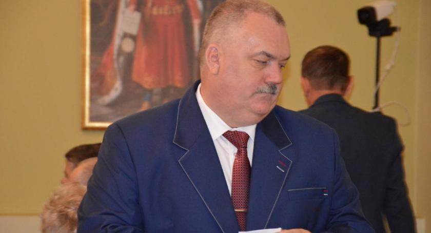 Samorząd, pensji burmistrza podatkach ozdobach świątecznych - zdjęcie, fotografia