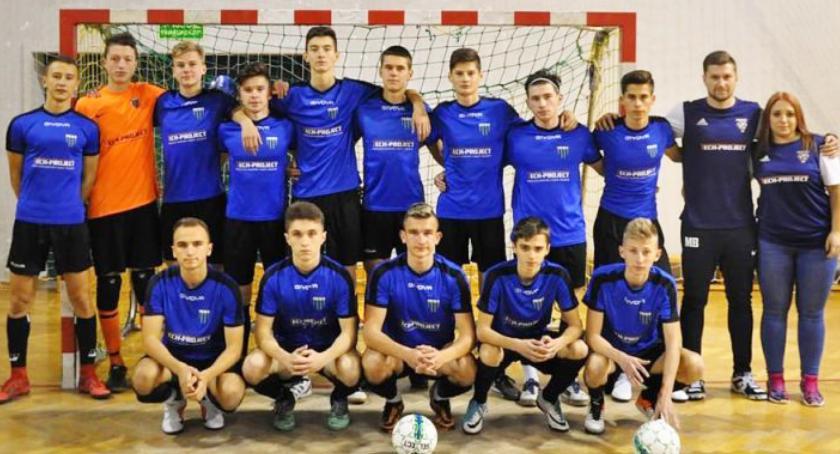 Piłka nożna, Dobry start młodych jarosławian - zdjęcie, fotografia