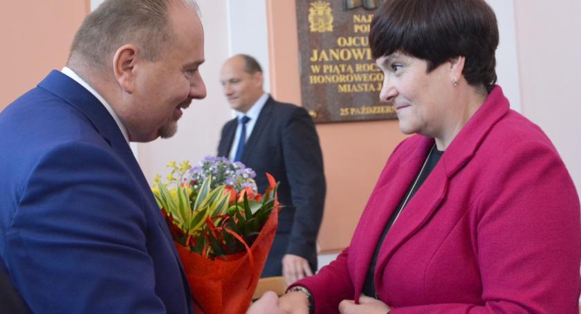 Samorząd, Barbara Maziarka odwołana Gołąb skarbnikiem miasta - zdjęcie, fotografia
