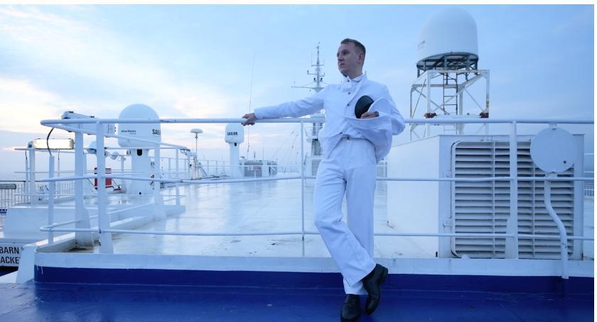 Inne, mężczyzną białym mundurze - zdjęcie, fotografia