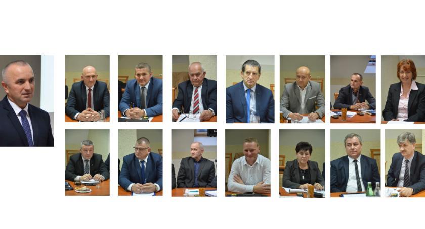 Samorząd, Przeglądamy oświadczenia majątkowe radnych gminy Laszki - zdjęcie, fotografia