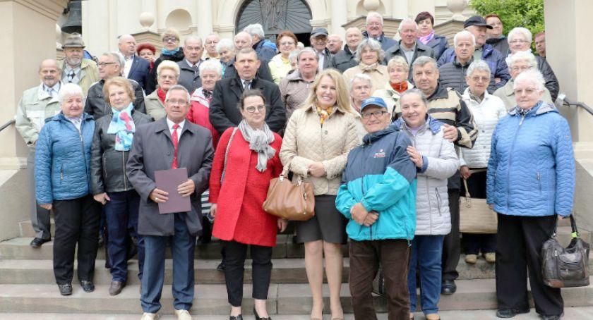 Organizacje, Diabetycy pielgrzymowali Kolegiaty - zdjęcie, fotografia