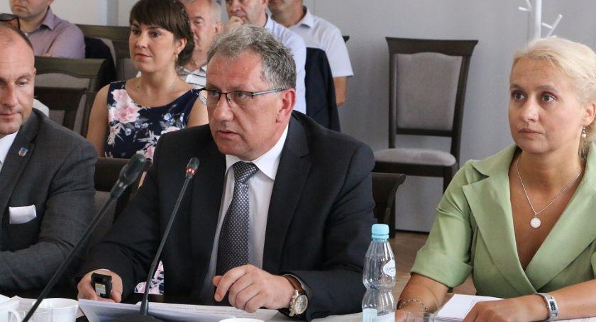 Samorząd, Jednogłośne absolutorium zarządu powiatu - zdjęcie, fotografia