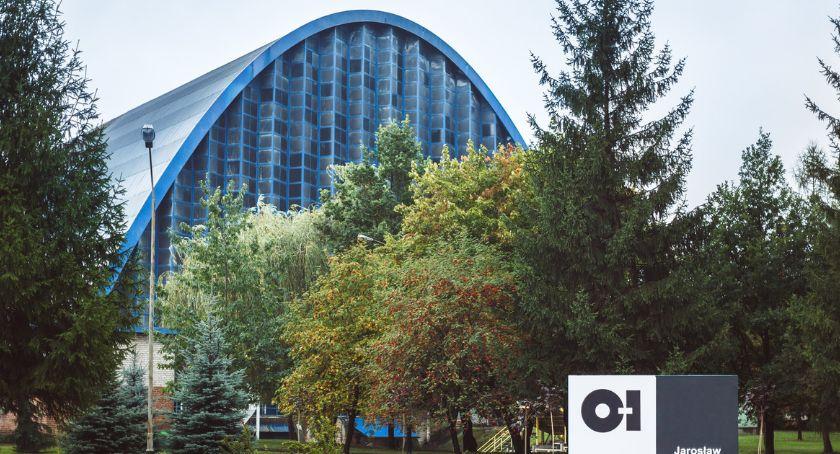 Biznes, linia hucie szkła Jarosławiu - zdjęcie, fotografia