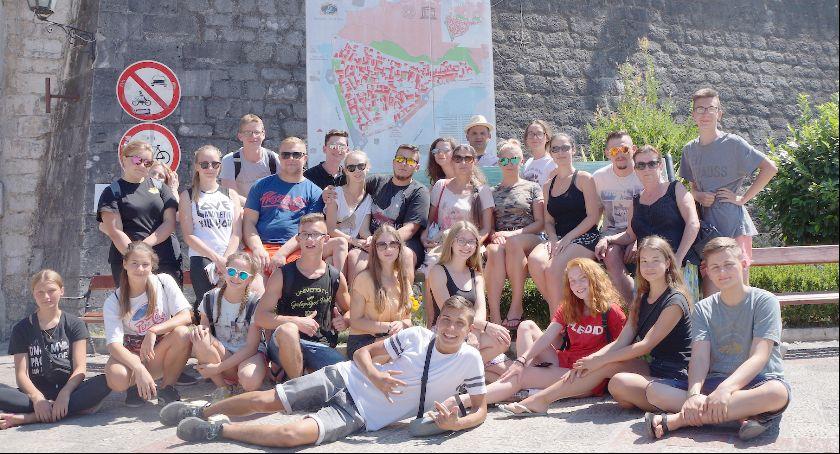 Edukacja, Tancerze Ogniska Baletowego Festiwalu Czarnogórze Zachwycili swoją urodą werwą - zdjęcie, fotografia