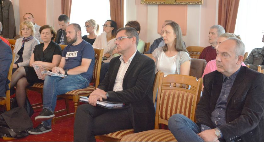 Interwencje, Zamiast problemem radni zajmowali sobą mieszkańcy sesji szukali pomocy - zdjęcie, fotografia