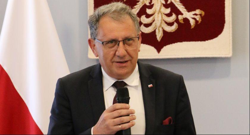 Samorząd, Meritus Powiatom starosta Chrzan odznaczony - zdjęcie, fotografia