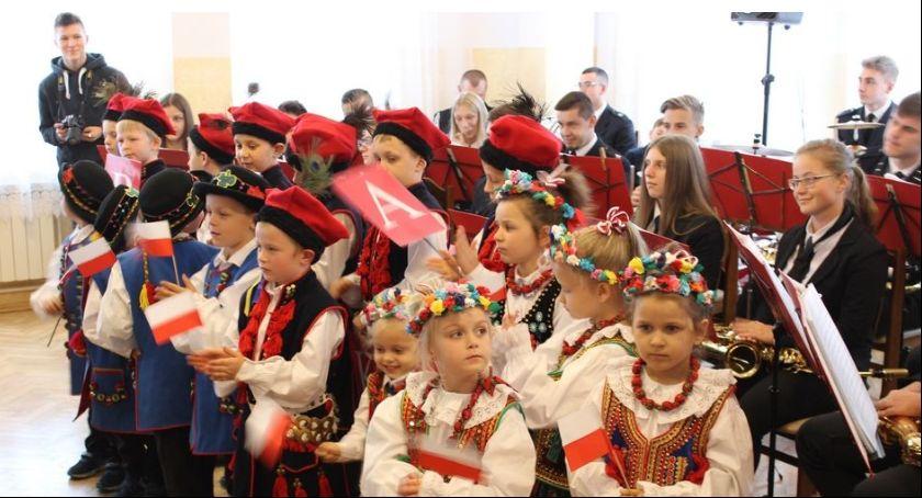 Muzyka, Patriotyczne śpiewanie - zdjęcie, fotografia