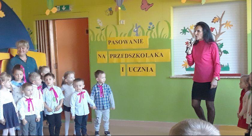 Przedszkola, Pasowanie ucznia - zdjęcie, fotografia