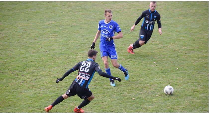 Piłka nożna, Wiązownica rozbiła rywali - zdjęcie, fotografia