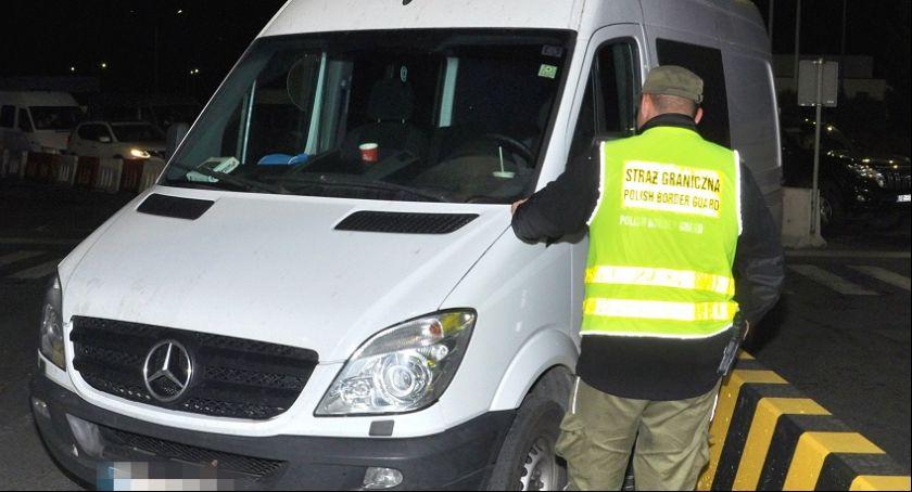 Granica, Kradzione mercedesy były poszukiwane przez Interpol - zdjęcie, fotografia