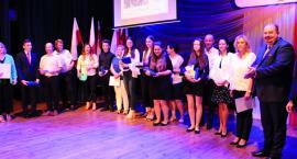 Najlepsi uczniowie w mieście nagrodzeni przez burmistrza