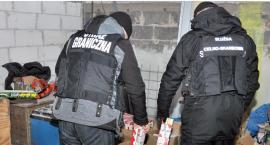 Papierosy bez akcyzy na posesji w Kidałowicach