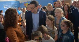 Premier Morawiecki o programie 500+ w Skołoszowie