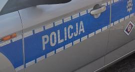 Nieletni bez uprawnień kierował skradzionym autem