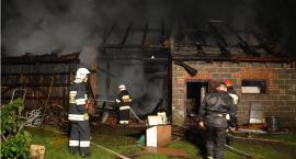 Trwa dogaszanie pożaru stodoły w Maleniskach