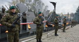 Pomnik Pamięci Narodowej odsłonięty (ZDJĘCIA)