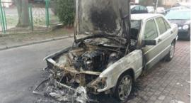 Spalone auta na os. Witosa