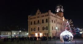 Światełko do Nieba z poparciem dla Jurka Owsiaka na jarosławskim Rynku