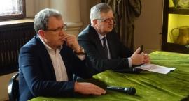 Rolnicy o swoich kłopotach podczas spotkania z posłem Kazimierzem Gołojuchem (WIDEO)