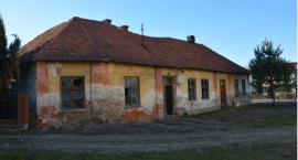Zabytkowa szkoła do rozbiórki