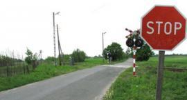 Zamknięty przejazd kolejowy na drodze Makowisko – Bobrówka