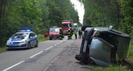 Śmigłowiec przetransportował kierowcę rannego w wypadku w Mołodyczu