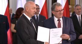 Czy odbiór zaświadczenia przez Tadeusza Chrzana zakończy dyskusję o oddaniu mandatu poselskiego Stanisławowi Piotrowiczowi?