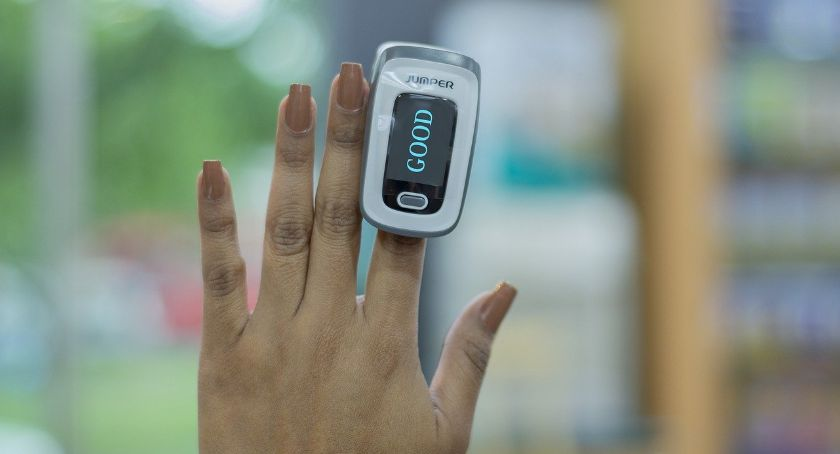 Zdrowie i uroda, Domowa Opieka Medyczna Pulsoksymetr będzie monitorował zdrowia pacjentów - zdjęcie, fotografia