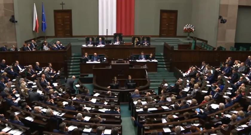 Kraj i świat, kwietnia państwowym Świętem Chrztu Polski decyzja Sejmu - zdjęcie, fotografia