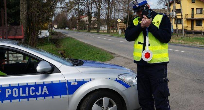 Kronika kryminalna, Pechowy kierowca punktów karnych ciągu minut - zdjęcie, fotografia