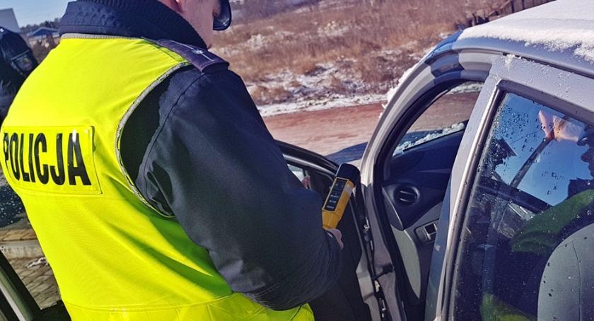 Kronika kryminalna, Piją wsiadają kierownicę Kolejni kierowcy zatrzymani - zdjęcie, fotografia