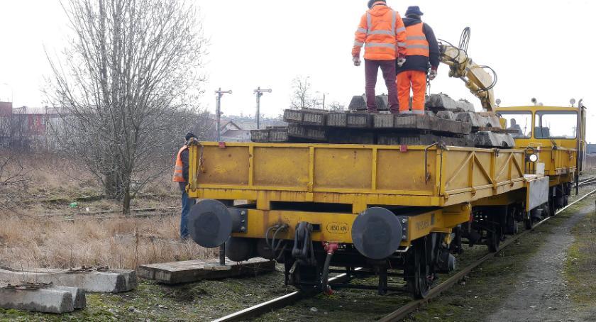 Komunikacja, Kolej Łomży Ruszyły prace remontowe [FOTO] - zdjęcie, fotografia