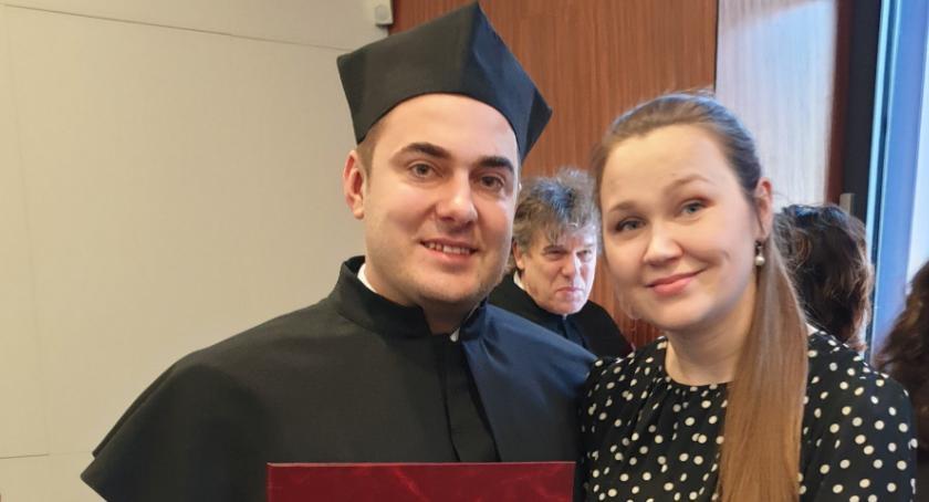 Prezydent Łomży, Prezydent dyplomowany Mariusz Chrzanowski tytułem doktora prawnych [FOTO] - zdjęcie, fotografia