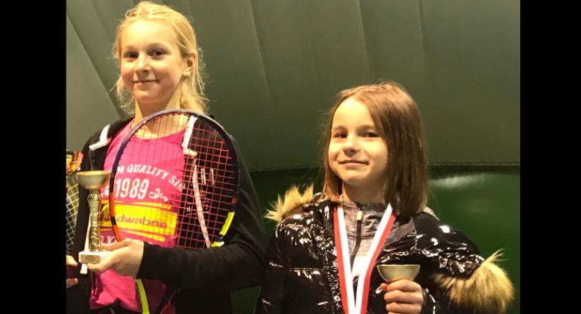 Tenis ziemny tenis stołowy badminton, Podium zawodniczek Return Łomża [FOTO] - zdjęcie, fotografia