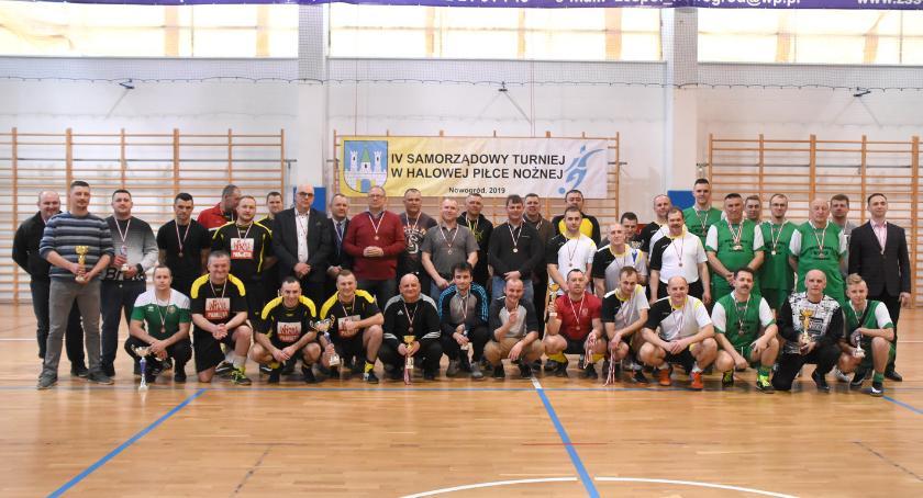 Piłka nożna, Nowogród Samorządowy Turniej Halowej Piłce Nożnej [FOTO] - zdjęcie, fotografia