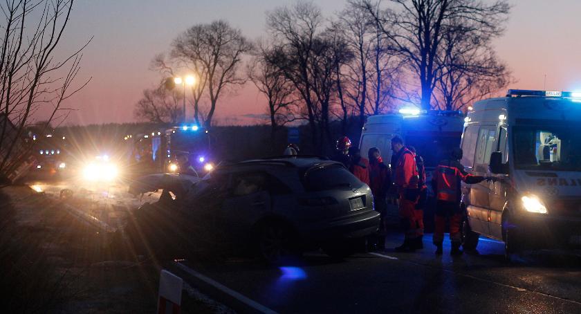 Wypadki drogowe, Jakać Młoda Groźny wypadek osobówki [FOTO] - zdjęcie, fotografia
