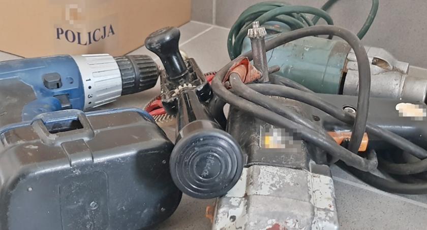 Komunikaty policji , Młody mieszkaniec Łomży ukradł elektronarzędzia - zdjęcie, fotografia