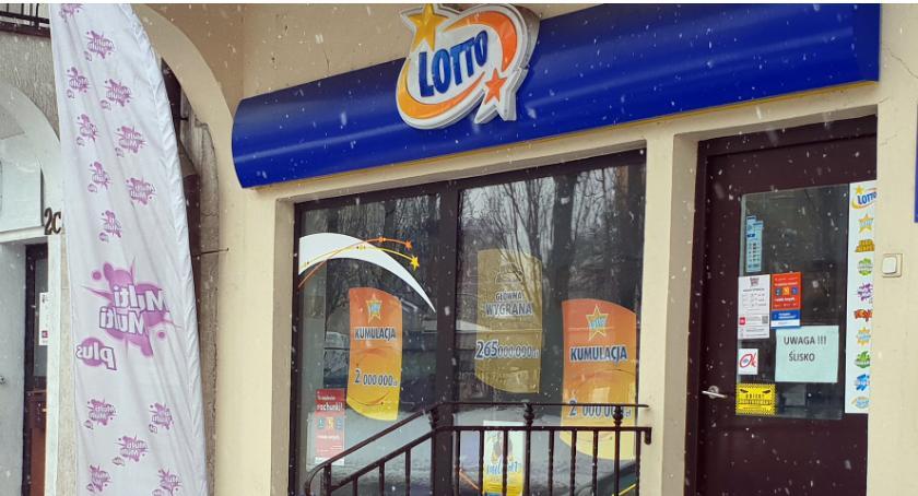 Łomżanie, Łomża Gracz wydrapał główną wygraną zdrapce LOTTO - zdjęcie, fotografia