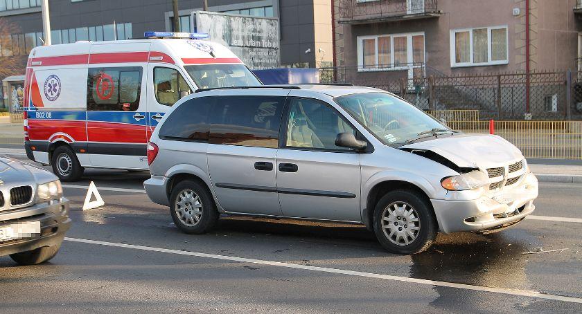 Wypadki drogowe, Karambol Sikorskiego Pasażerka szpitalu [FOTO] - zdjęcie, fotografia