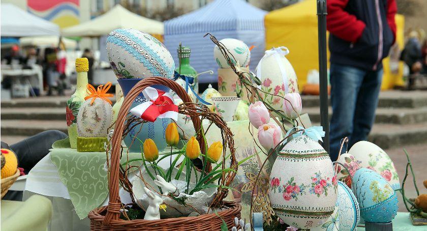 Łomżanie, Jarmark Wielkanocny przyciągnął łomżan Stary Rynek [FOTO] - zdjęcie, fotografia
