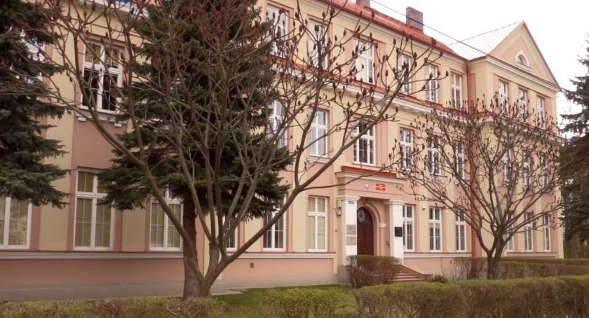 Szkoły i edukacja, Egzamin ósmoklasisty start! - zdjęcie, fotografia
