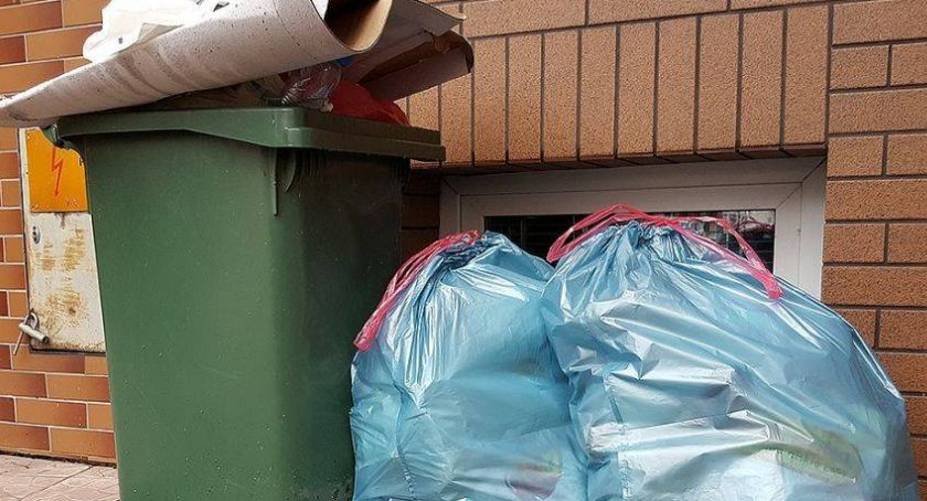 Rada Miejska w Łomży, Radni przyjęli stawek śmieci Burzliwa dyskusja - zdjęcie, fotografia