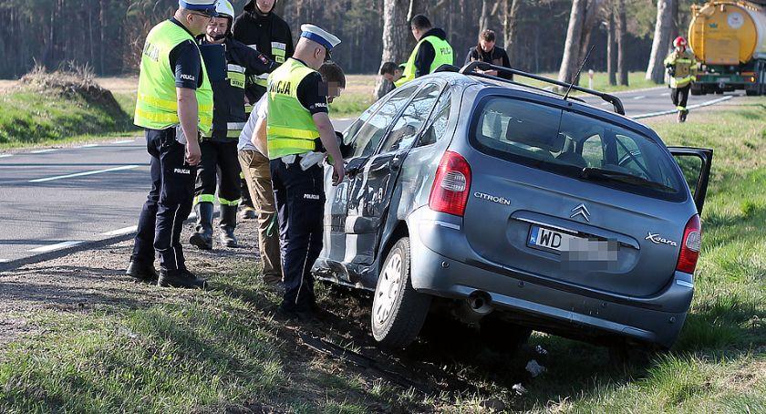 Wypadki drogowe, Dziecko przetransportowane śmigłowcem wypadku [FOTO] - zdjęcie, fotografia
