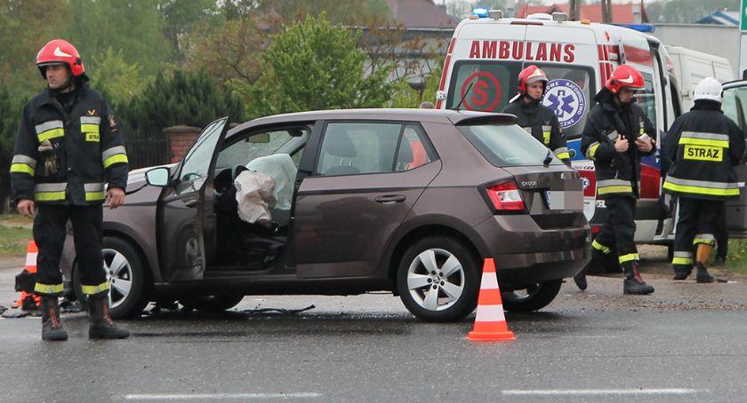 Wypadki drogowe, Niebezpieczne skrzyżowanie Wypadek trasie Łomża Ostrołęka [FOTO] - zdjęcie, fotografia