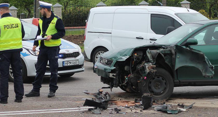 Wypadki drogowe, Wypadek Piątnicy Kobieta szpitalu [FOTO] - zdjęcie, fotografia