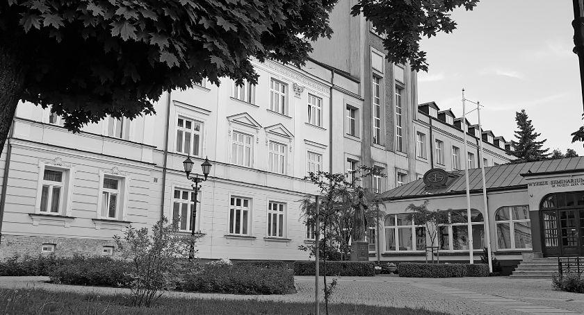 Kościół, Śmierć łomżyńskim seminarium! - zdjęcie, fotografia