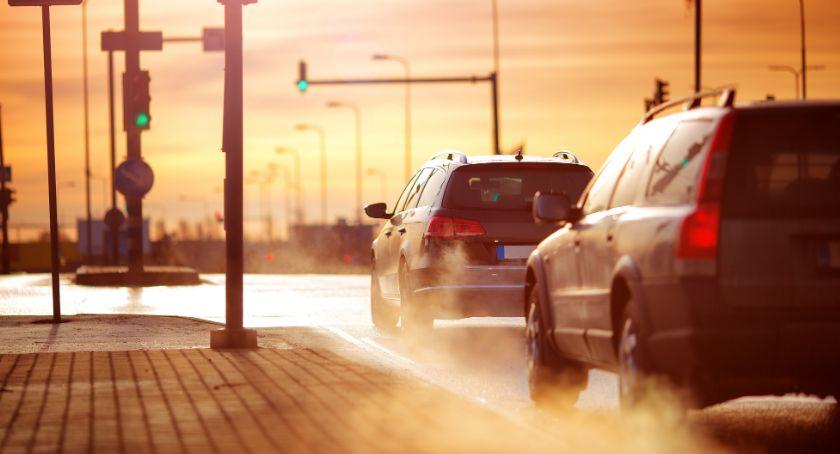 Biznes, Tylko płacą kierowcy Łomży podpowiada obniżyć składkę polisę - zdjęcie, fotografia