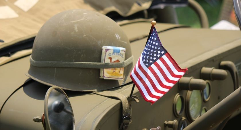 Region, Poznała amerykańskiego żołnierza Straciła tysięcy złotych - zdjęcie, fotografia