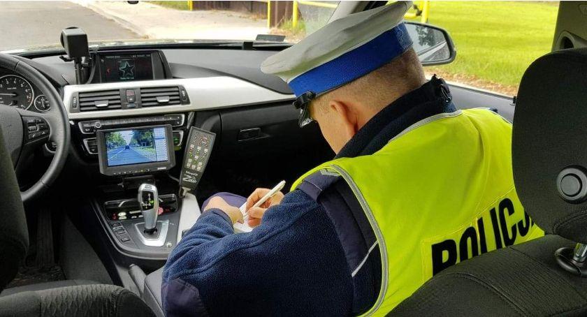 Komunikaty policji , Szosa Mężenina Kierowca jechał szybko - zdjęcie, fotografia